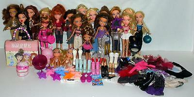 Large Lot Of 19 Beautiful MGA Bratz Dolls With Shoes And Accessories