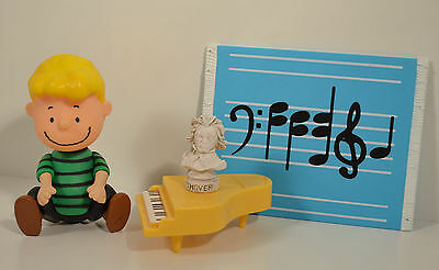 """2002 Green Schroeder w/ Piano & Statue 5"""" Action Figure Peanuts Charlie Brown"""
