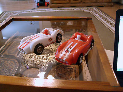 60'S-70's SLOT CAR 1:32 LOT OF 2 RACE CARS 1 WHITE AND 1 RED WORKING