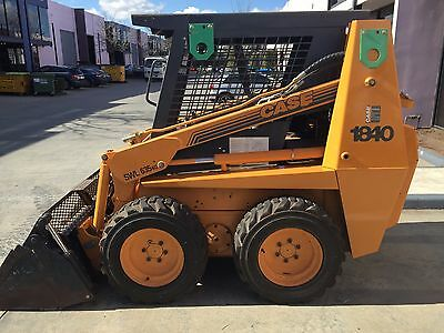 skid steer uni-loader with 4 in 1 bucket, Case 1840 in great condition