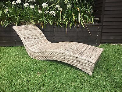 NEW Outdoor Stylish Sun Lounge Sunlounge All Weather Synthetic Wicker Rattan
