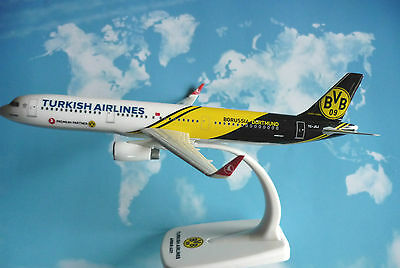 Herpa Wings 1:200 SNAP FIT Airbus A321 Turkish Airlines BvB 09 TC-JSJ  610704