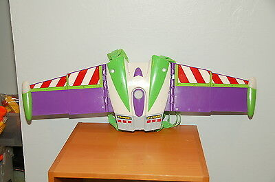 Buzz Lightyear Deluxe Action Wing Pack (Needs repairs)
