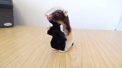 G143: Vintage  Steiff Mohair Diggy Badger 1959 to 1966