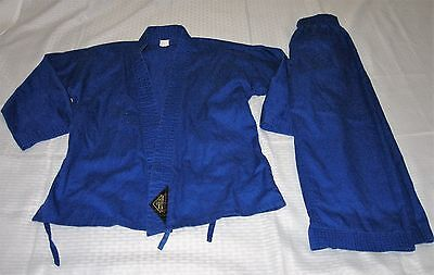 Child / Student Martial Arts /  Karate Uniform - Size 00 Tiger Claw's - Blue