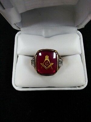 10K Yellow Gold Masonic Ring With Ruby Stone Size 11.5 Marked 10K 6.4gr