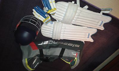 Youth's cricket kit and bag