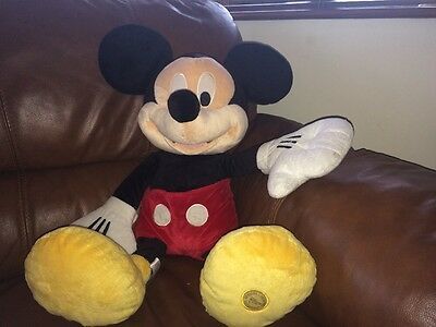 AUTHENTIC DISNEY STORE HUGE 2FT Mickey Mouse Plush