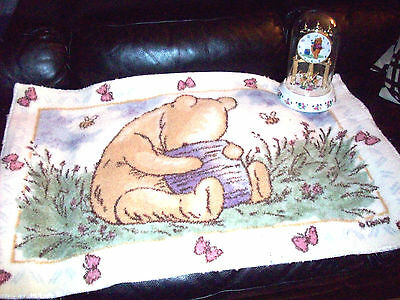 Disney Winnie the Pooh battery operated glass dome clock w/ spinning bees + Rug