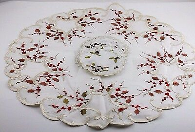 "Vintage Embroidered Christmas 17"" Doily & 3-3/4"" Coasters Holly & Berries"