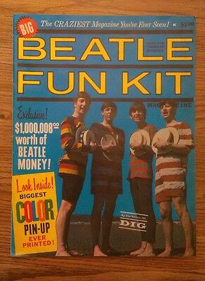 """""""Beatle Fun Kit"""" U.S. 1964 magazine complete in very good condition"""