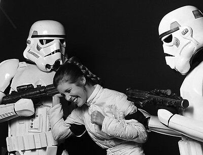 Carrie Fisher ** Star Wars **  Movie Star 8X10 Movie Photo Picture