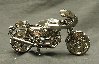 Ducati 900SS die cast model, quality item excellent detail ideal gift