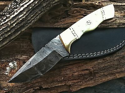 Beautiful Hand Made Damascus Steel Hunting Knife | Dagger Bowie | Bone Handle