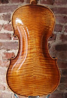 An Old Vintage Violin without Label !!! VERY NICE INSTRUMENT!!!