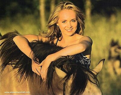 AMBER MARSHALL unsigned 8x10 color photo           GORGEOUS STAR OF HEARTLAND