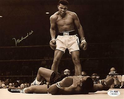 Autographed Muhammad Ali 8x10Photo JSA COA Item#6406525