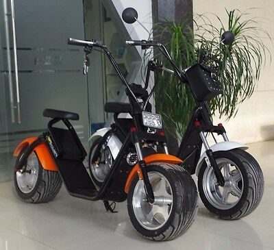 harley elektro roller mit den gro en reifen bis 50 km h. Black Bedroom Furniture Sets. Home Design Ideas