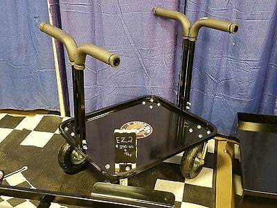 EZ2 kart stand with tool tray