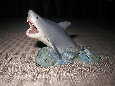 Country Artists coynes Miniature Great White Shark Figure Hand painted/crafted
