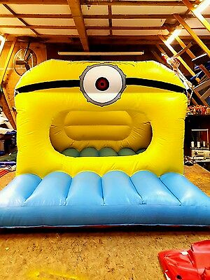 NEW Mino Toddler Bouncy Castle/Ball Pit