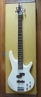 Ibanez GSR-200 Electric Bass Guitar with hard case