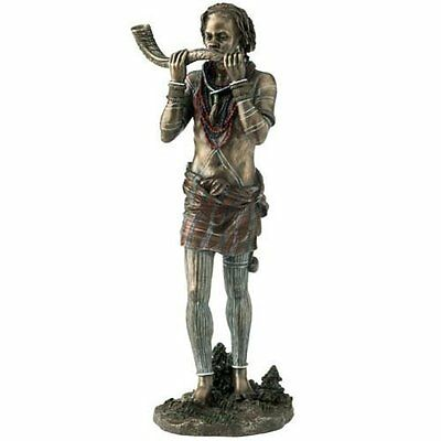 Maasai Tribe Sculpture - Simu - Call to Action - 18175