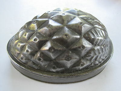Antique Victorian tin baking / jelly mould pineapple shape comp. with lid F63 3