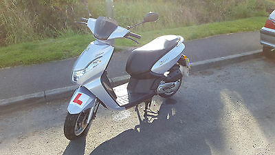 learner legal moped - peugeot kisbee 50cc with limiter