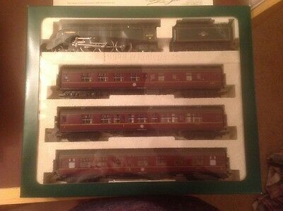 Hornby Limited Edition Heart Of Midlothian BR 4-6-2 Locomotive Class A4 Guillemo
