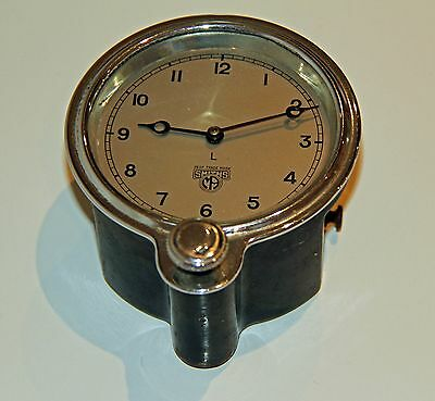 SMITHS VINTAGE CAR CLOCK Front wind. Runs well