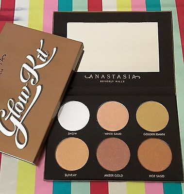 Anastasia Beverly Hills Ultimate Glow Kit Palette new highlighter