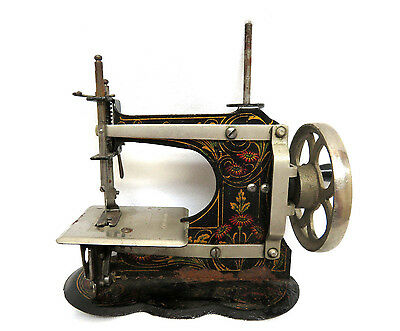 Antique Circa 1900 Muller Germany Childs Toy Hand Crank Sewing Machine