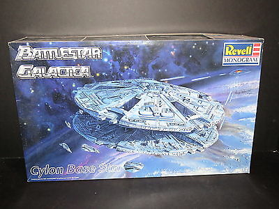 Cylon Basestar Battlestar Galactica Model Kit Revell Monogram Kit #85-3619 1997