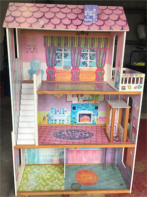 3 level doll house - stairs and elevator