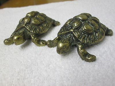 2 x VINTAGE/ ANTIQUE SMALL SOLID BRASS BEAUTIFULLY DETAILED TORTOISE FIGURINES