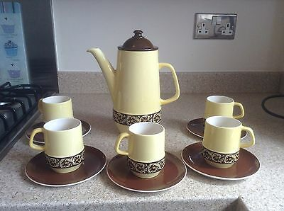 Carltonware Part Coffee Set, 5 X Cups And Saucers, 1 X Coffee Pot.