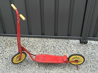 VINTAGE RETRO Red and Yellow CHILDS SCOOTER