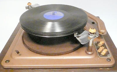 vIntage Working Well UNIQUE 1940's 78 RPM AUTOMATIC TURNTABLE- Fun To Watch !!!