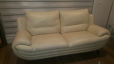 White leather lounge 3 seater & two arm chairs