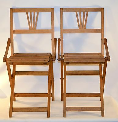 Antique Mid-Century (Vintage) Pair of Wood Slatted Folding Chair