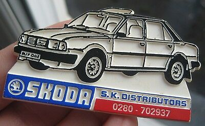 SKODA RAPID motor car vintage 1980s advertising pin BADGE freeUKpostage