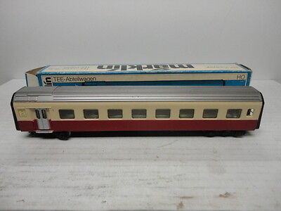 Marklin Ho 4071 TEE passenger car with some issues fairly nice!