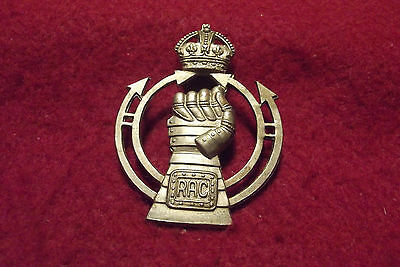 WW II British Cap Badge To The Royal Armoured Corps