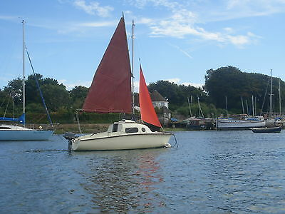 Lovely 15 ft. sailing cruiser