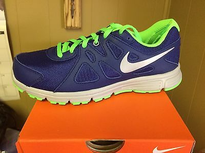 Nike Revolution 2(gs) Size 6y