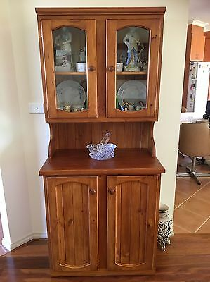 Buffet and hutch, Excellent Condition