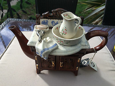 Large Paul Cardew Washstand teapot