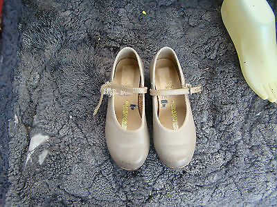 girls size10 beige leather BLOCH tap shoes gc