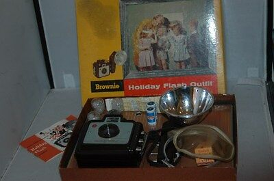 Kodak Brownie Holiday Flash Outfit.